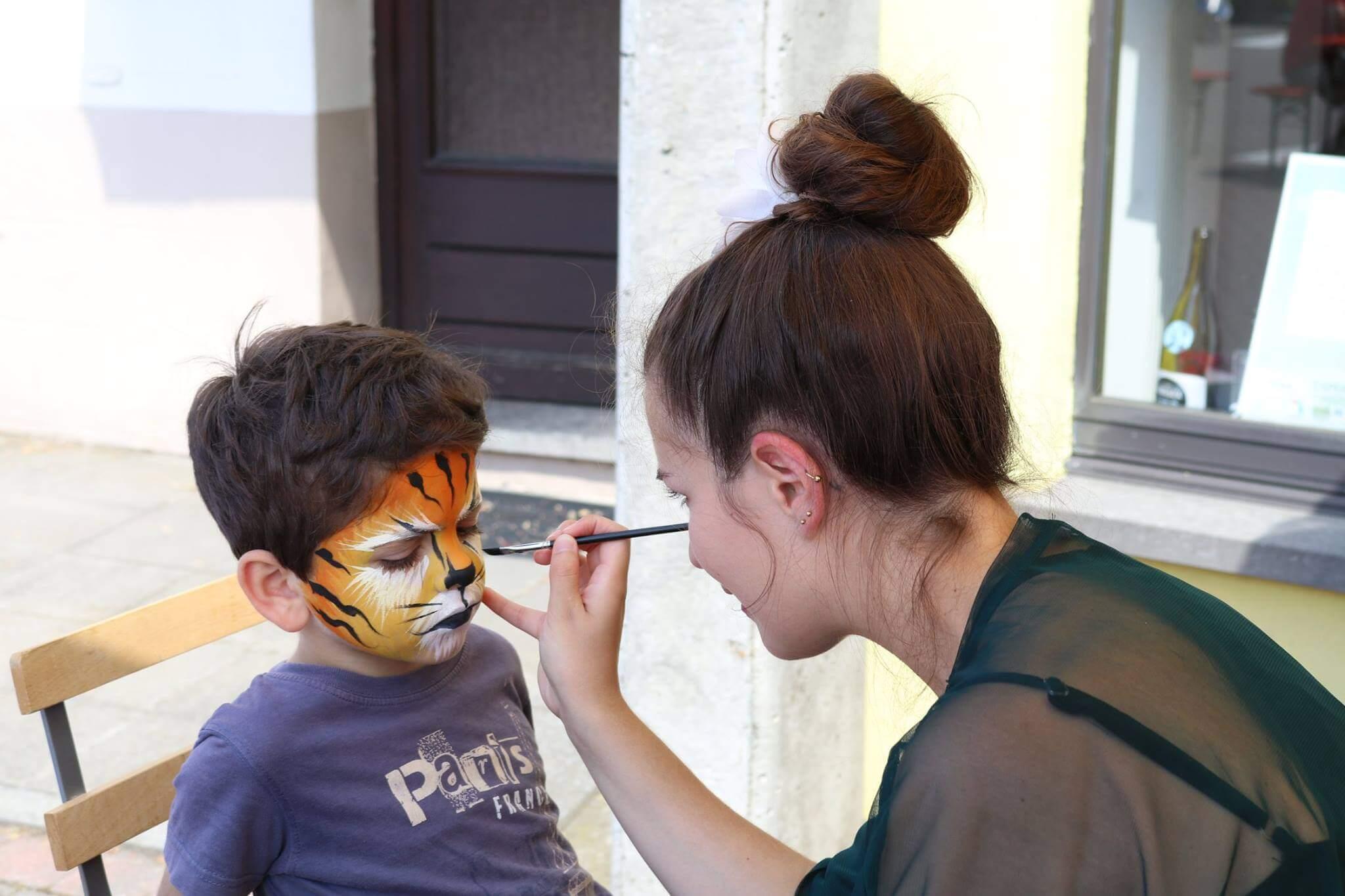 Maquillage de tigre pour enfant
